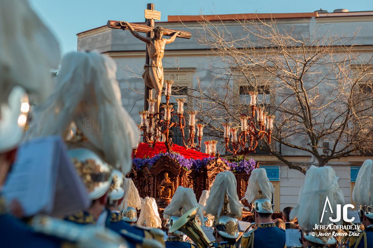 El Santísimo Cristo del Perdón en su salida extraordinaria por el Cincuentenario de la hermandad / Javier Romero Díaz