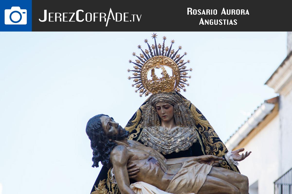 rosarioasuroraangustiasfotos