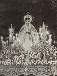 Octubre de 1979. Procesión extraordinaria con motivo de las bodas de plata de la cofradía. Fotografía: Diego Romero