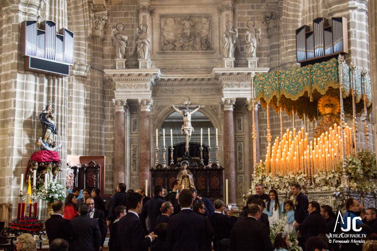 Extraordinaria Amargura Vuelta Catedral 2017 (1)