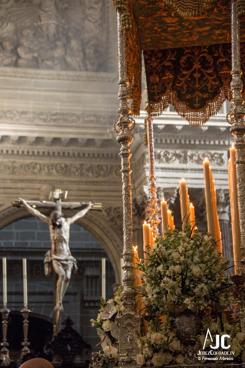 Extraordinaria Amargura Vuelta Catedral 2017 (3)