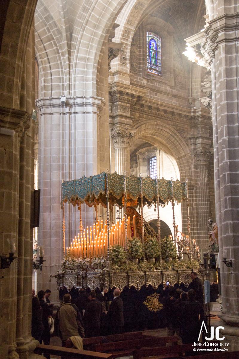 Extraordinaria Amargura Vuelta Catedral 2017 (4)