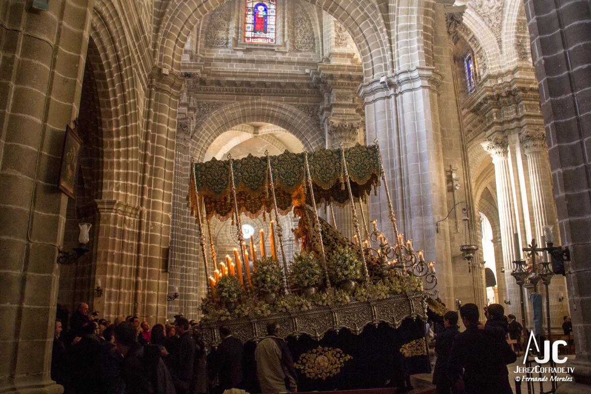 Extraordinaria Amargura Vuelta Catedral 2017 (5)