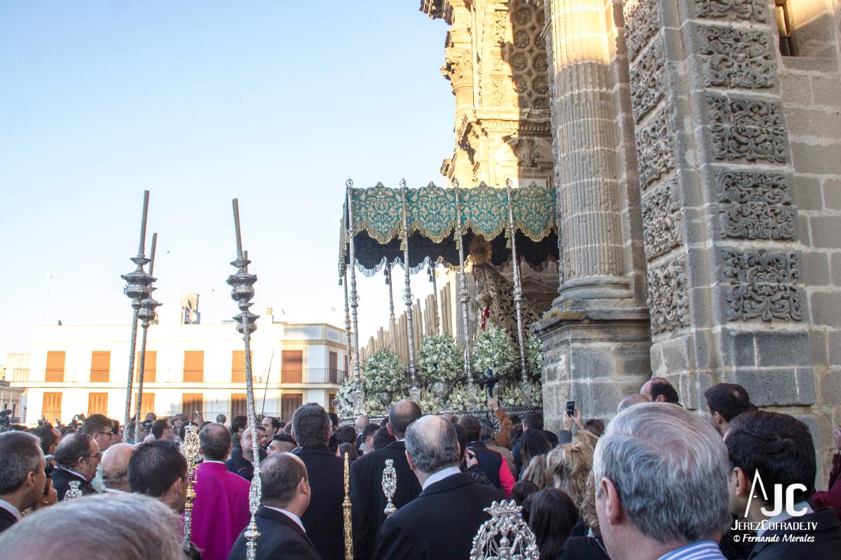 Extraordinaria Amargura Vuelta Catedral 2017 (6)