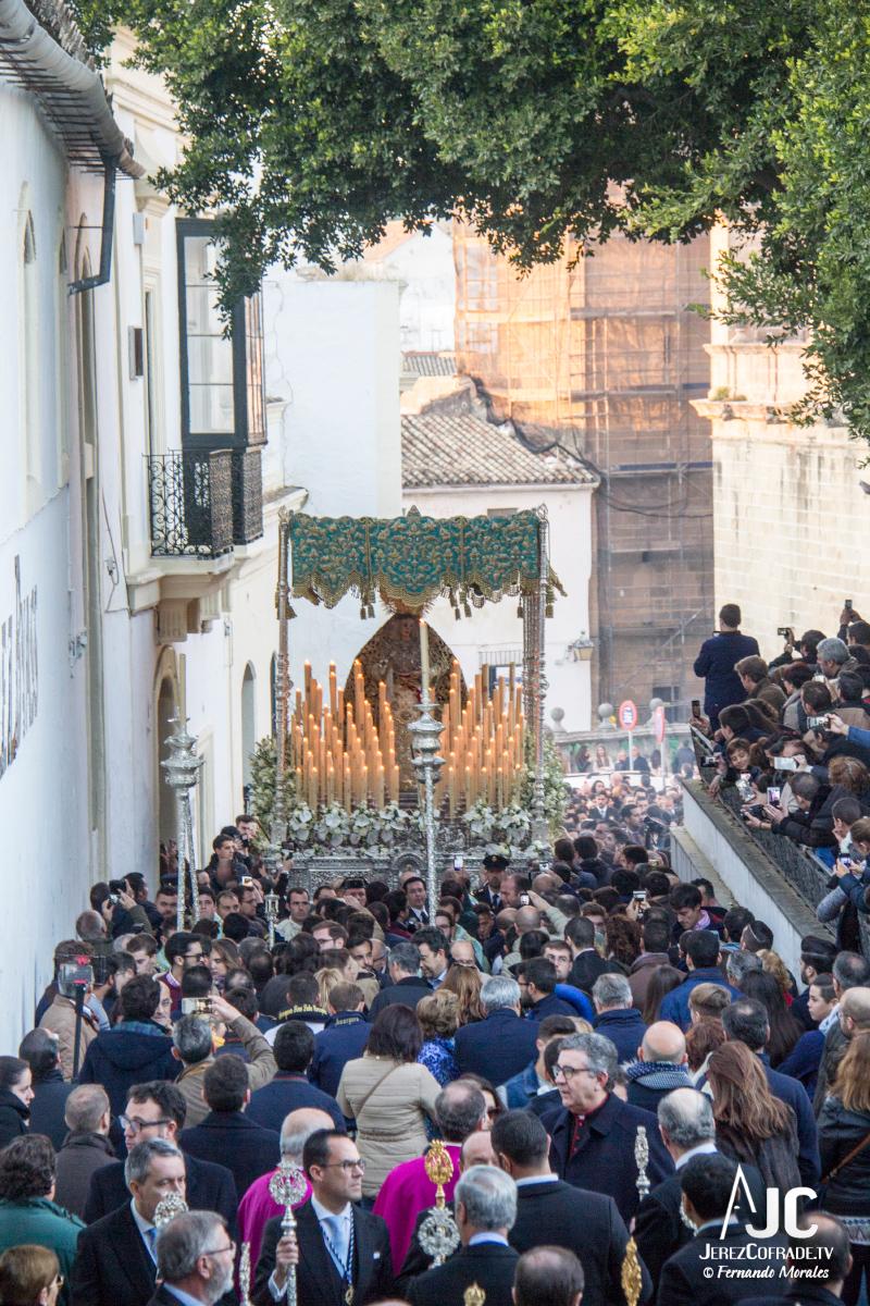 Extraordinaria Amargura Vuelta Catedral 2017 (7)
