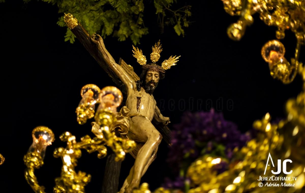 Santo Crucifijo de la Salud – Noche de Jesús Jerez 2019 (11)