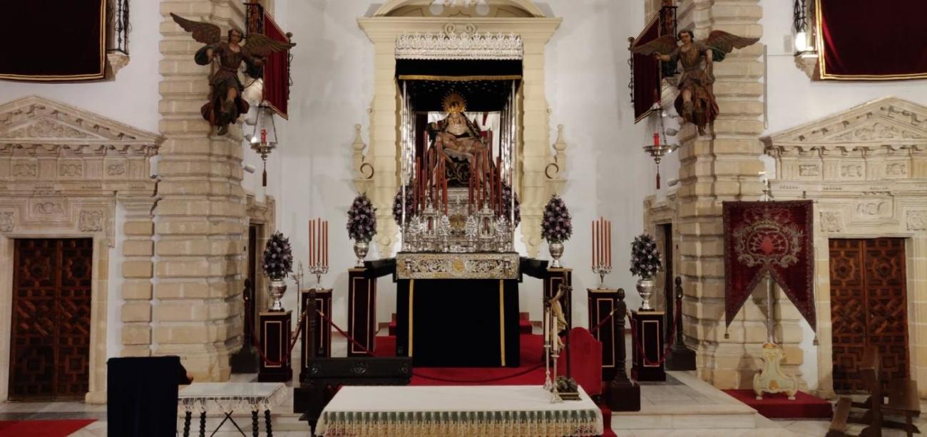 el-via-crucis-ofrece-este-lunes-una-imagen-inedita-de-las-angustias