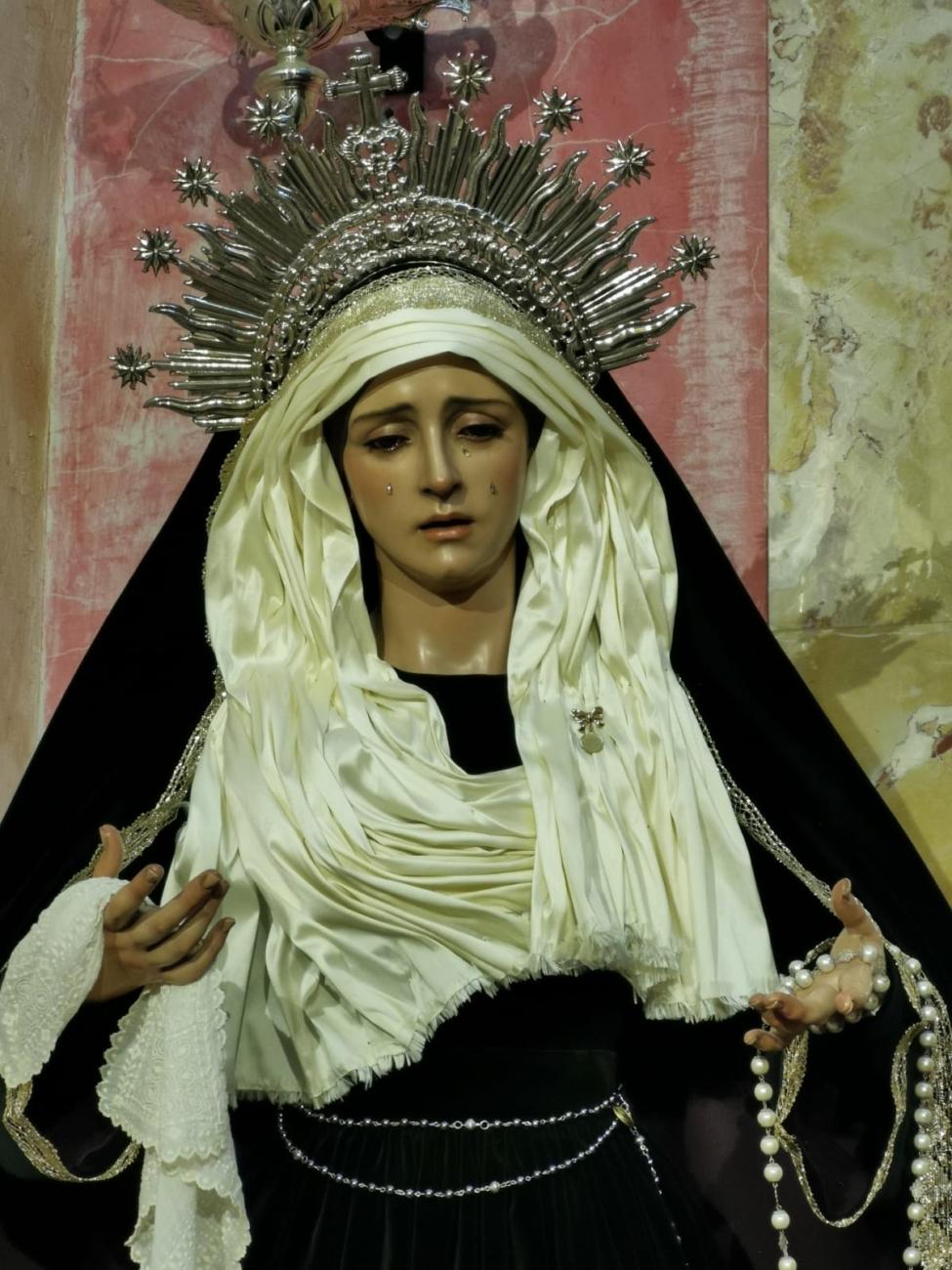 Maria Santísima Reina de los Ángeles de luto