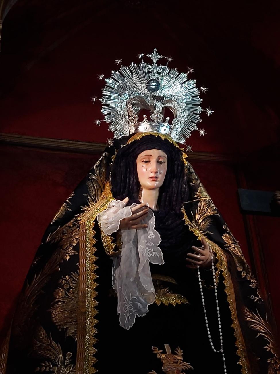 Santa María de la Paz y Concordia de luto. Fotografía de José Antonio Dueñas