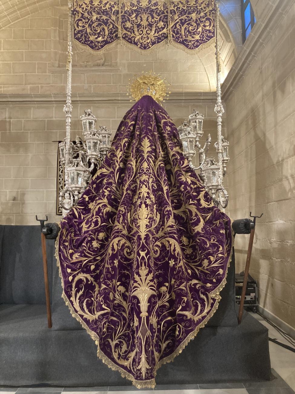 Trasera palio Virgen del Traspaso