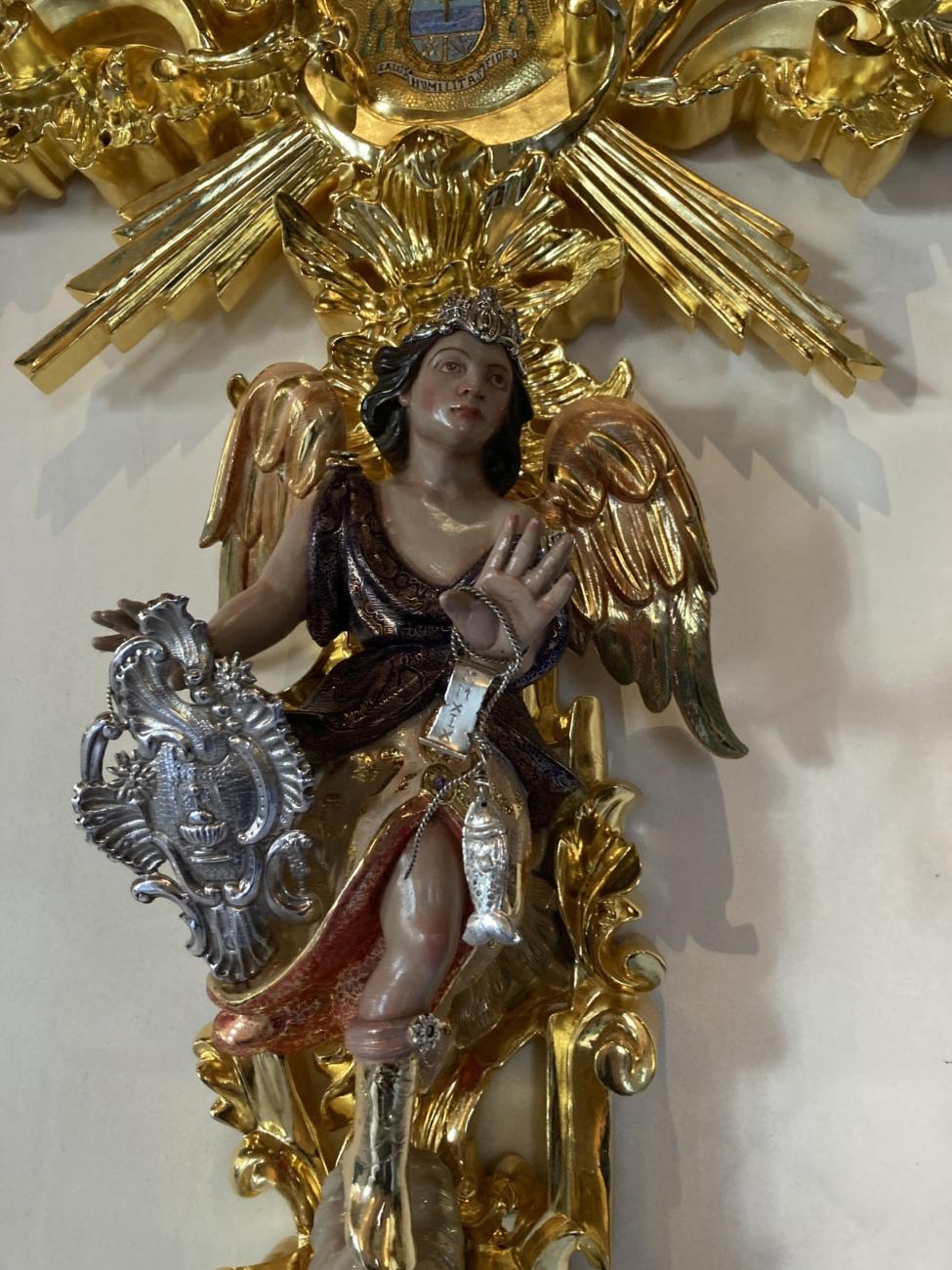 Detalle cruz de guía – Salud de San Rafael